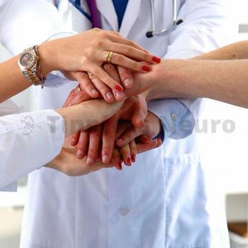 В нашей клинике помощь оказывают ученые-медики и высококвалифицированные врачи