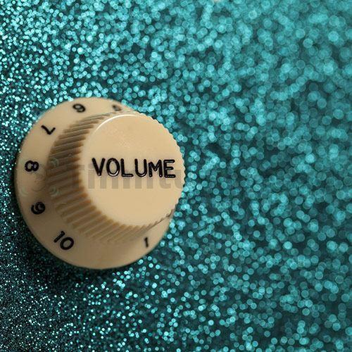 Шум нередко развивается из-за громких звуков вокруг