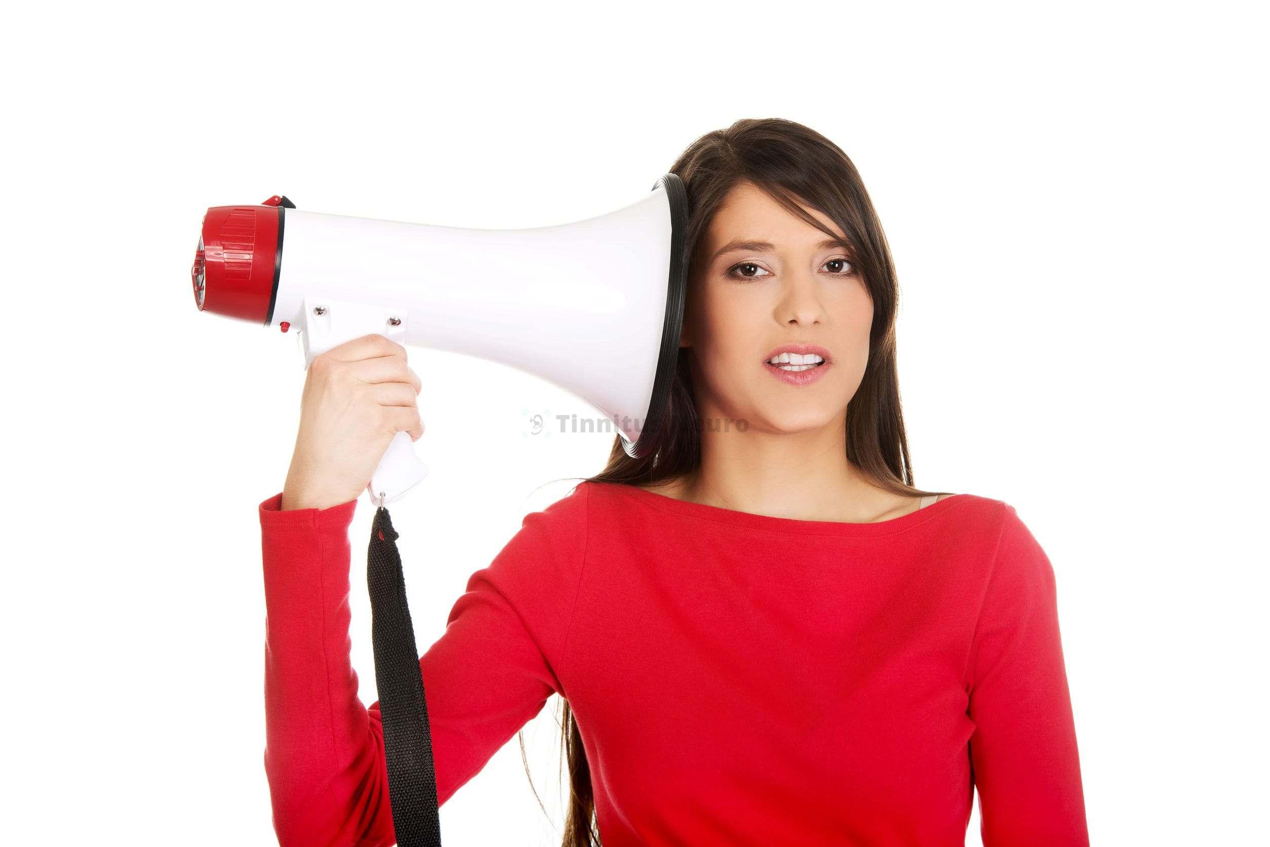 Шум в одном ухе может возникнуть по причине нарушения мозгового кровообращения