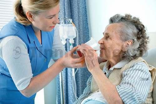 Часто от шума в голове и слабости, страдают пожилые люди