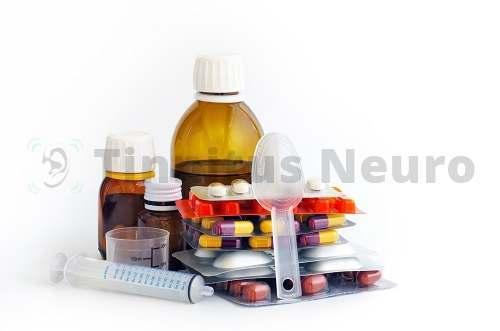 Правильная комбинация лекарств позволяет вылечить шум в левом ухе