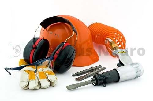 Звуки чрезмерной силы иногда служат причиной остаточного шума и свиста в ушах