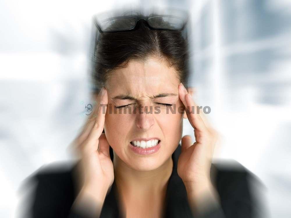 Кружится голова и шумит в ушах – причин может быть масса