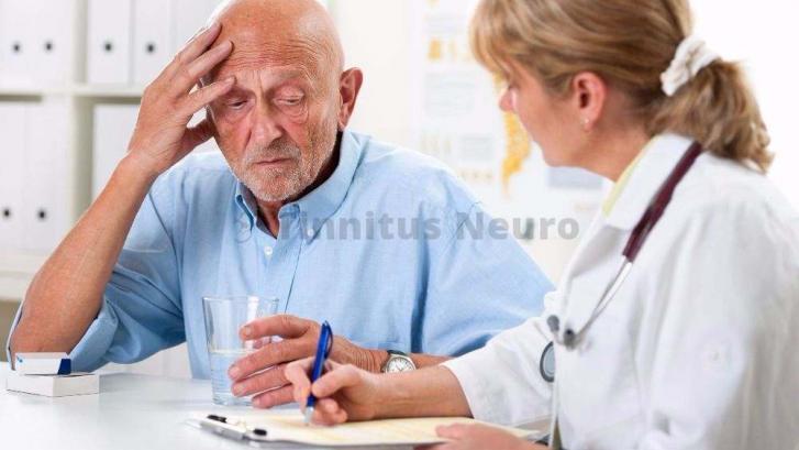 К жалобам на шум в голове, пожилых людей приводят разнообразные причины