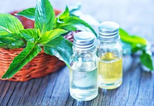 С помощью ароматерапии добиваются большего расслабляющего эффекта массажа