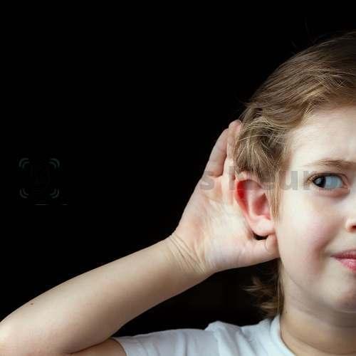Жужжание и гул в ушах иногда вызываются теми же причинами, что и заложенность ухп
