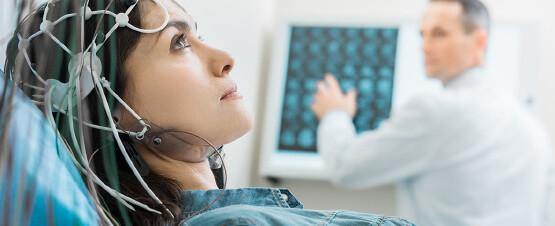 Шум в ушах лечится с помощью неврологов