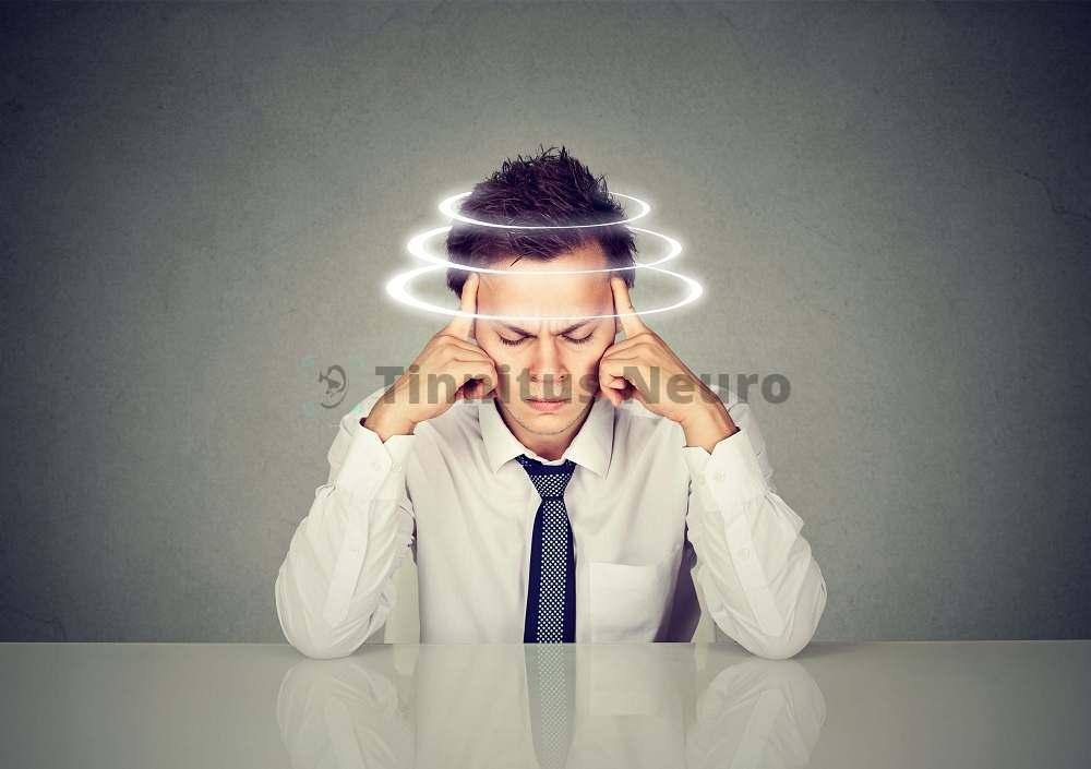 При болезни Меньера возникают головокружения