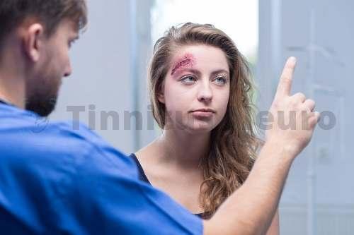 Повреждение внутреннего уха вызывает расстройства равновесия